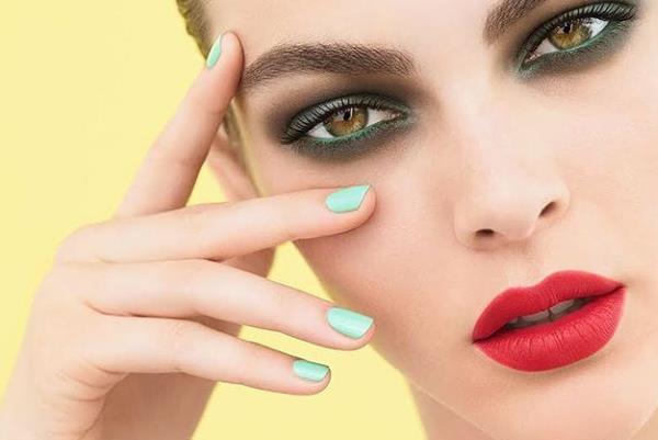 Što boja laka za nokte govori o vama?!