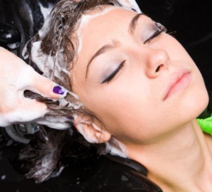 Šamponi bez sulfata – izbor za osjetljivo vlasište i obojanu kosu