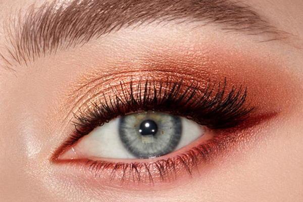 Moderno šminkanje za plave oči
